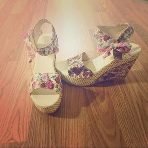 Shoes - Cute floral wedges with ribbon side ties!